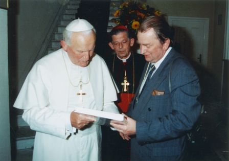 Zmarł  legendarny fotograf Prymasa i dokumentalista pielgrzymek Jana Pawła II
